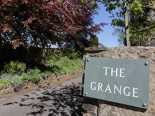 THE GRANGE, stunning countryside views, near St Blazey