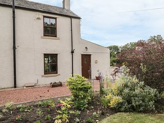 1 LEESRIGG COTTAGES, near Lake District and Solway Coast, near Aspatria