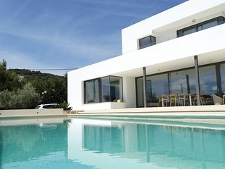 BEST LOCATION VILLA CLOSE TO IBIZA TOWN AND TALAMANCA BEACH