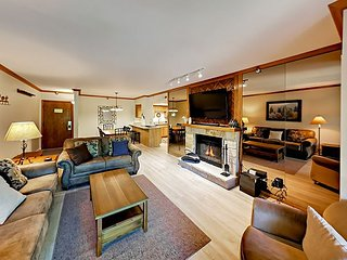 2BR w/ Pool, Hot Tub & Private Balcony - Steps to Town Lift & Main Street