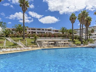 Spacious Sunny apartment in Vila Alba