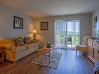 Branson Vinyards - 3 Bed 2 Bath Vacation Condo near the fun of Branson!