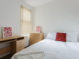 Central Location, close to Shops and Seafront (BR1)