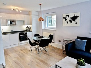 Brick Lane Shoreditch City Luxury 2BR 2Bath Flat by HAPPYGUEST