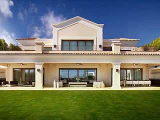 Stunning Six Bedroom Villa Salma in Sotogrande