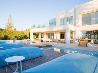 Luxury Six Bedroom Villa Samar, in Marbella Golden Mille