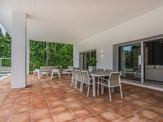 Charming Four Bedroom Private Villa Corinne, near Puerto Banús