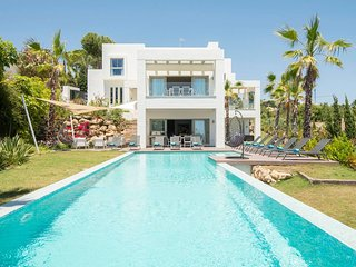 '5 bedroom luxury villa Maryam - Villas for Rent in Benahavs, Andaluca, Spain'