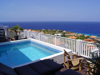 Coral Estate | Luxury 6-persons villa with private pool and panorama view.