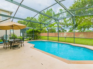 Beautiful Pet Friendly Golf Home, Pool, 1051