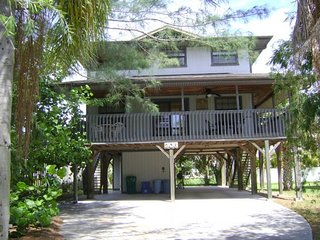 The Cats Paw- 206 Palmetto Ave, Anna Maria