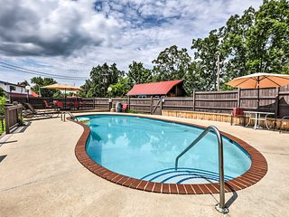 NEW! Burkesville Apartment w/ Views & Pool Access!
