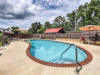 NEW! Burkesville Apartment w/ Views & Pool Access!