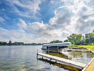 NEW! Cozy Cottage with Dock & Patio on Olcott Lake