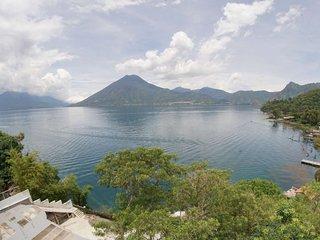 Baraka Atitlan - Lakefront Soul Nourishment
