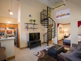 Downtown Austin! Penthouse Condo by One Fine Flat