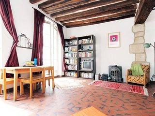 Central Paris:  Comfortable Marais  Loft near Picasso Museum