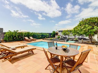 Cozy, dog-friendly villa w/ private pool and terrace - close to the beach!