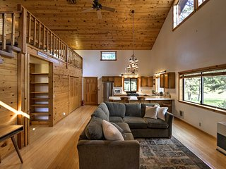 NEW-Ashland Cabin on 170 Acres w/Mtn Views & Sauna