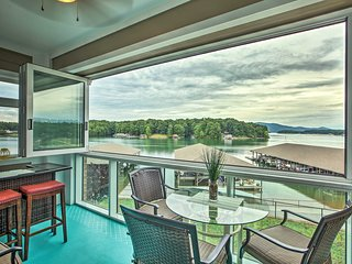 NEW! Huddleston Condo Right on Smith Mountain Lake