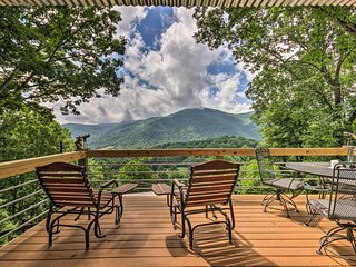 NEW-Mtn View Maggie Valley Home w/Private Hot Tub