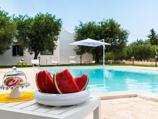 VILLA SORRENTINO OSTUNI WITH INFINITY POOL 9 SLEEPS!