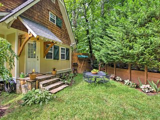 Charming Saluda Cottage w/ Pond, Boat & Fire Pit!