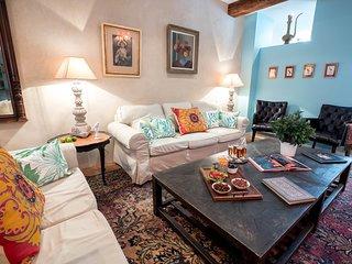 Historic 'MAISON DE L'OISELIER'- inner Beaune -tasting cellar-terrasse-4 bthroom