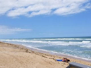 <:>< Ocean Front & Salt River Front Views Dolpfins,Manatees,cool breeze Visit Us