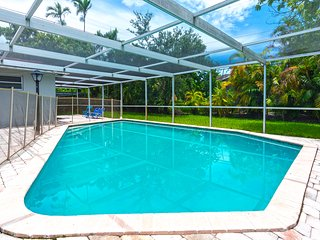 4BR Getaway Family Pool Home, 6mins to Aventura Mall!
