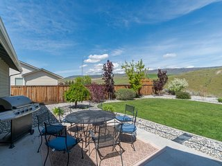 Manicured home w/ hot tub, patio & gorgeous views - close to town & the rivers!