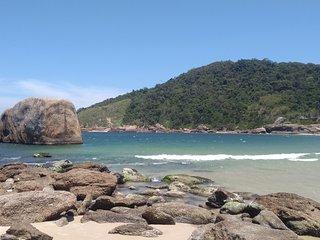 Quarto casal com banheiro - 200m da praia - Piratininga, Niteroi - Rio