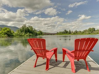 Lakefront home with shared dock, stunning views, large deck - close to town!