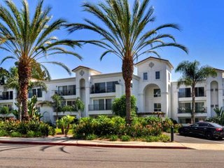 Gorgeous Renovated Condo, Steps to Omni Spa, Golf, Tennis, Chopra Center & Exclu