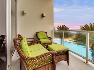 Beachfront condo w/ shared pool, hot tub, and other top resort amenities!