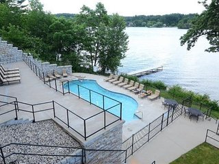 Wisconsin Dells Getaways #414 - One Bedroom Lakefront Villa