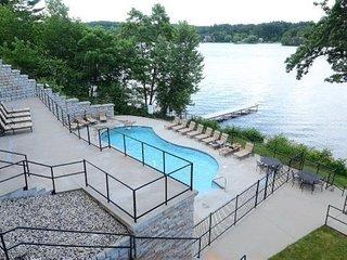 Wisconsin Dells Getaways #414 - One Bedroom Lakefront Villa