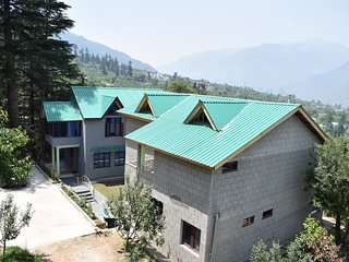 Naggar Heritage cottages -  Deluxe Room (2 Adults + 1 Child)