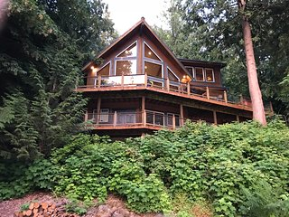 Silver Lake #7 - Unsurpassed lakefront views from this spectacular cabin!