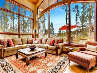 Entertain Indoors & Out: Large Deck, Gourmet Kitchen, Hot Tub & Family Room!