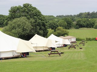 Meadow View Glamping - 5m Bell Tent