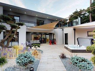 Villa de luxe, spa, 150m plage, Jullouville-Granville