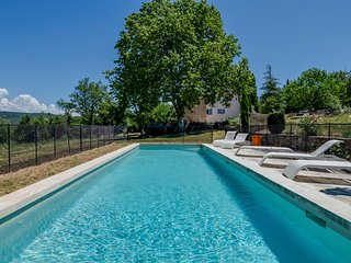 Saignon Villa Sleeps 12 with Pool - 5645039