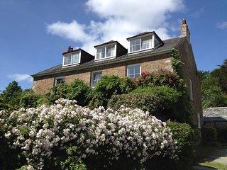 Hendersick Farmhouse B&B, Sea Views, Peaceful Countryside, Access to Coast Path