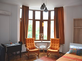 Charming studio in Romana square