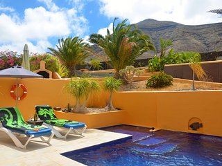 Totally Secluded, Spacious Villa With Private Heated Pool
