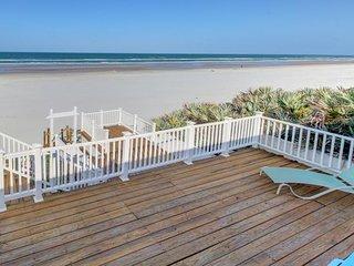 Oceanfront getaway w/ sweeping beach views & plenty of room - snowbirds welcome!