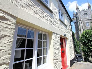 Bakers Steps: A Charming GradeII-Listed 2 Bedroom Central Fowey Cottage