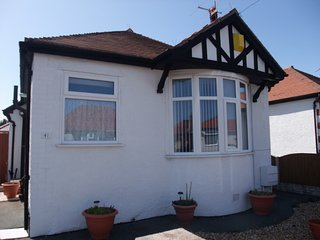Eastville Court - Stunning Detached Bungalow - Close to the Sea