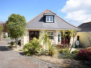 Chalet bungalow | ground floor bedrooms, bathroom | close to Yarmouth and Solent